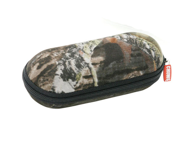 CHUMS medium hard eyewear pod case with mossy oak camouflage design Capsule shaped Versatile size